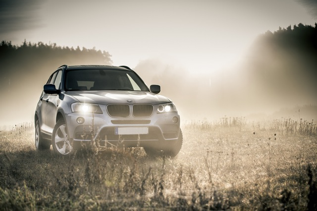 BMW X3 on gravel