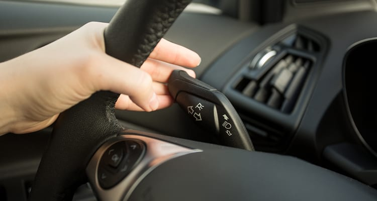 The Importance of Turn Signals and When to Use it